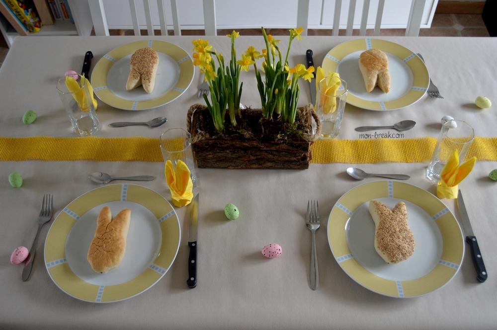 Une jolie table de Pâques, simple et épurée