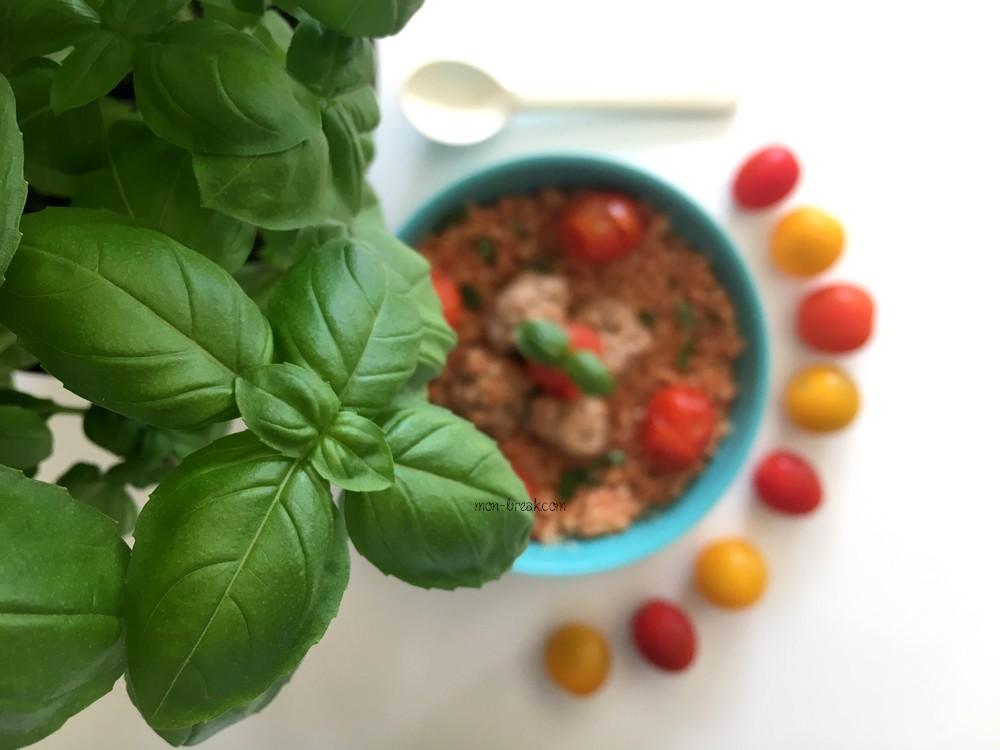Couscous perlé à la tomate et aux boulettes de viande